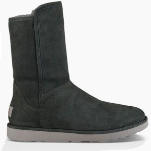 UGG Abree ll Grigio Short Boot With Full Zipper 10